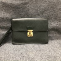 Clutch Louis Vuitton taiga new 95%