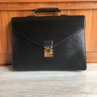 Túi xách Louis Vuitton epi new 90%