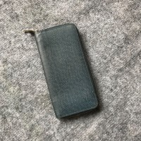 Zippy wallet Louis Vuitton taiga navy new 95%